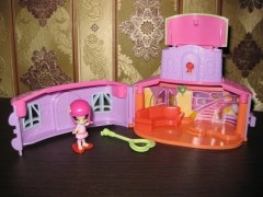 Локетт и ее домик