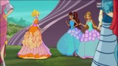 Стелла, Лейла и Флора в бальных платьях
